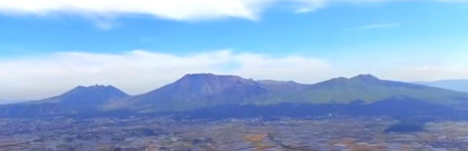 阿蘇中央火口山の阿蘇五岳
