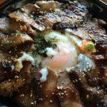 阿蘇に取材二種類の赤牛丼