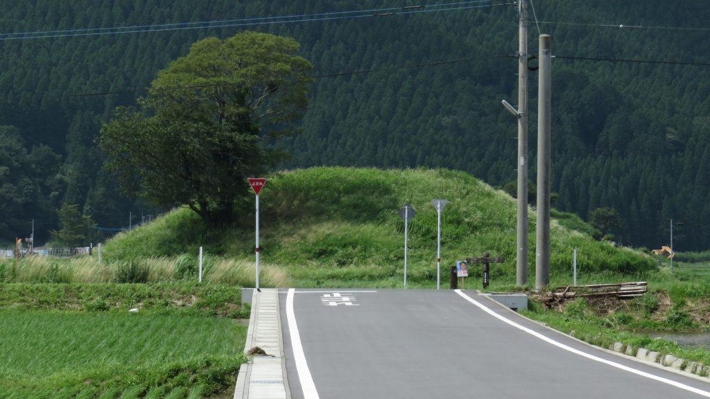 中通古墳群 車塚1号 近影 場所:熊本県阿蘇市一の宮町中通