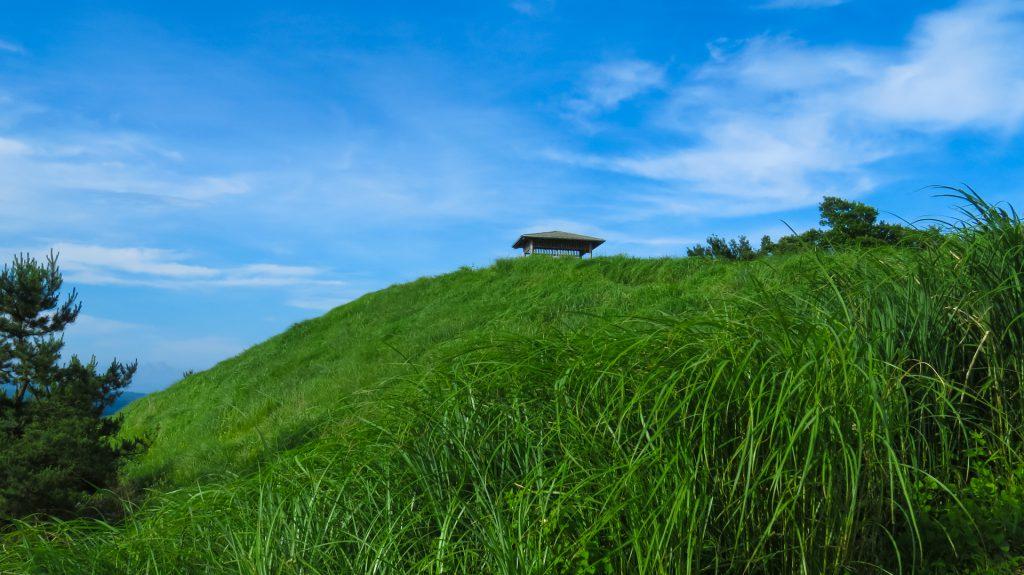荻岳展望所の小屋(西側)