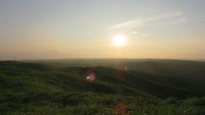 動画:阿蘇大観峰カルデラジオサイトからの朝日。