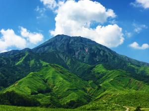 2016年8月の阿蘇五岳「高岳」大サイズ写真