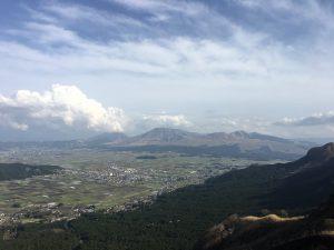熊本地震後 一年 阿蘇山 ラピュタの道近くから
