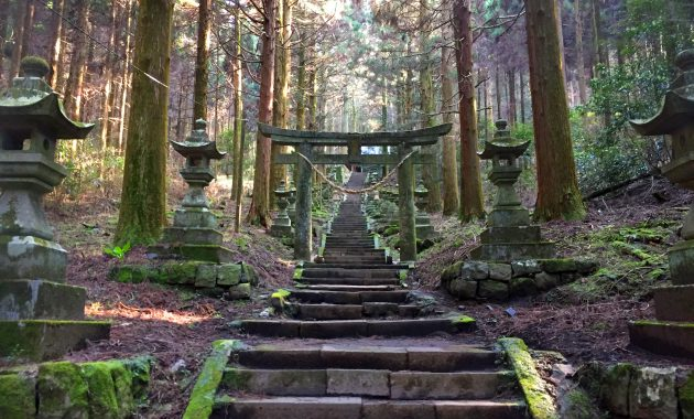 神秘的なパワースポット 上色見熊野座神社 熊本県阿蘇郡高森町